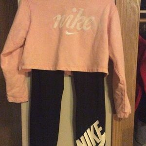 Worn once authentic Nike sweatshirt and leggings